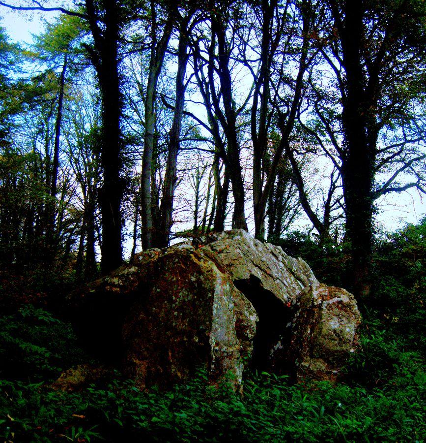 howth dolmen by iris cartia, via 500px