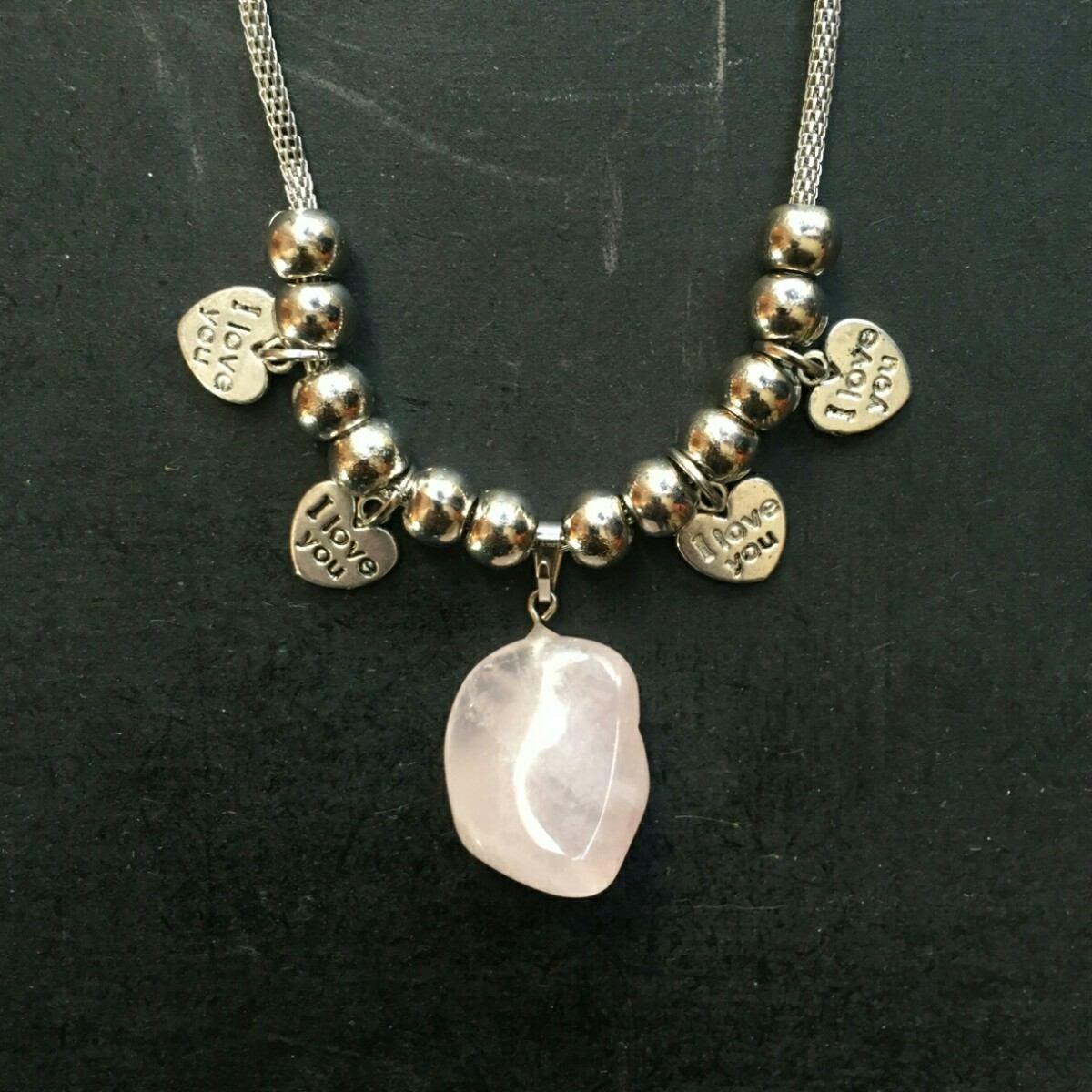 a8706e68b40d Collar Con Piedra Natural Cuarzo Rosa en Mercado Libre Argentina