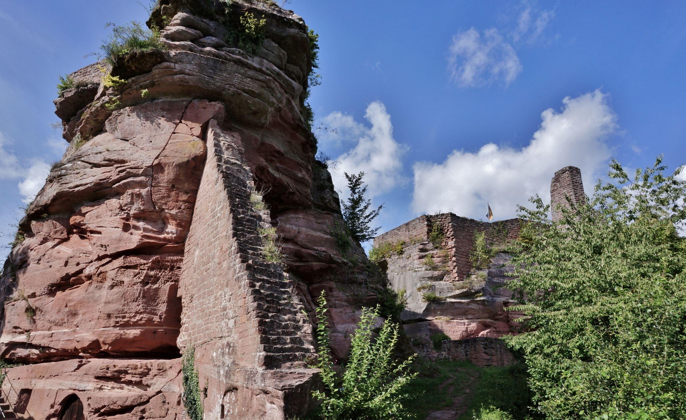 Dahner Burgengruppe. Castles of Dahn. Schöne orte, Die