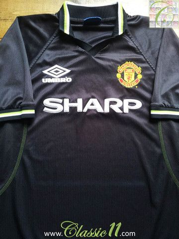 13df3613e1e Relive Manchester United s 1998 1999 season with this vintage Umbro Man Utd  3rd kit football shirt.