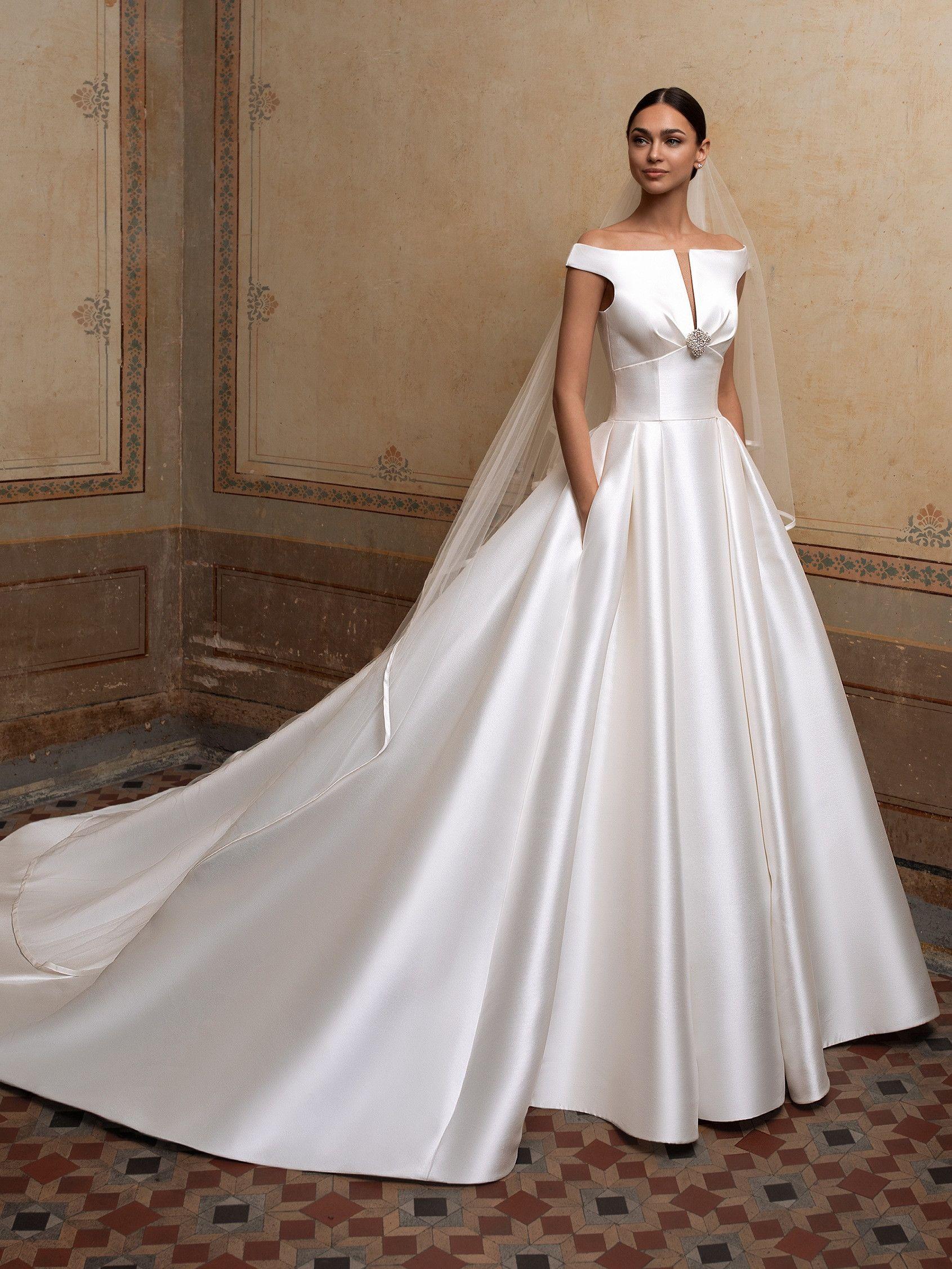 Pin On Vestidos De Noiva [ 2255 x 1691 Pixel ]