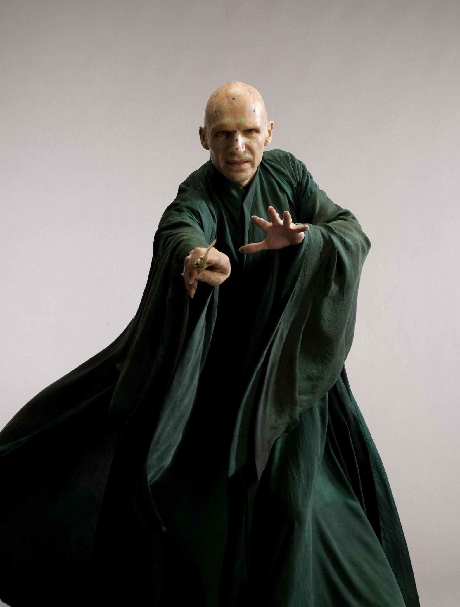 Photoshoots Of Ralph Fiennes As Voldemort Prior To Special Effects From The Order Of The Phoenix And The Deathly Hallows Voldemort Harry Ralph Fiennes Deathly Hallows Movie