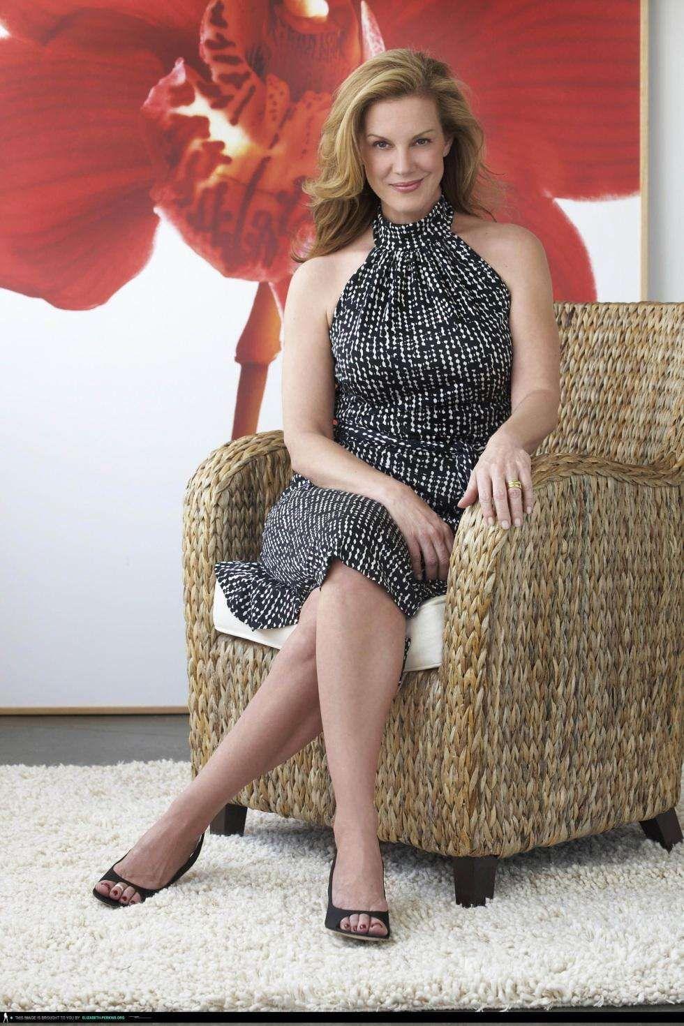 Elizabeth perkins legs