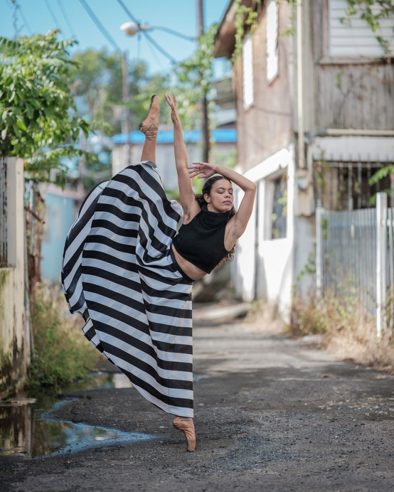 Powerful Photos Of Ballet Dancers On Streets Of Puerto Rico 5 Months After Hurricane Maria Ballet Dancers Dance Photography Girl Dancing