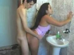 pareja follando banheiro