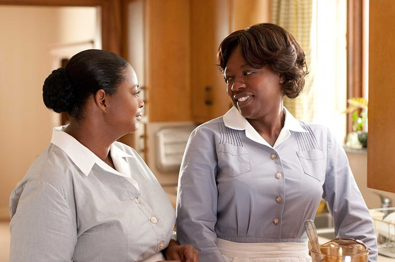 Minny Jackson (Octavia Spencer), Aibileen Clark (Viola Davis) ~ The Help  (2011) ~ Movie Stills #amusementphile | Viola davis, Octavia spencer,  Octavia