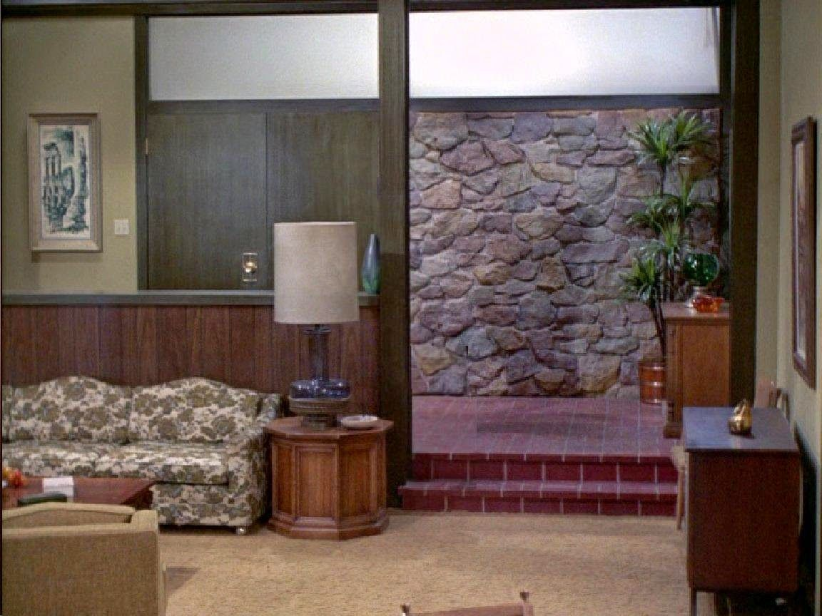 The Brady Bunch Foyer With The Rarely Seen 4th Wall Vintage House Tv Set Design The Brady Bunch