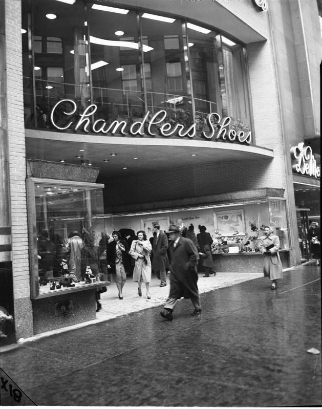 Chandlers On State St Was A Two Story Shoe Store Shoe S Galore