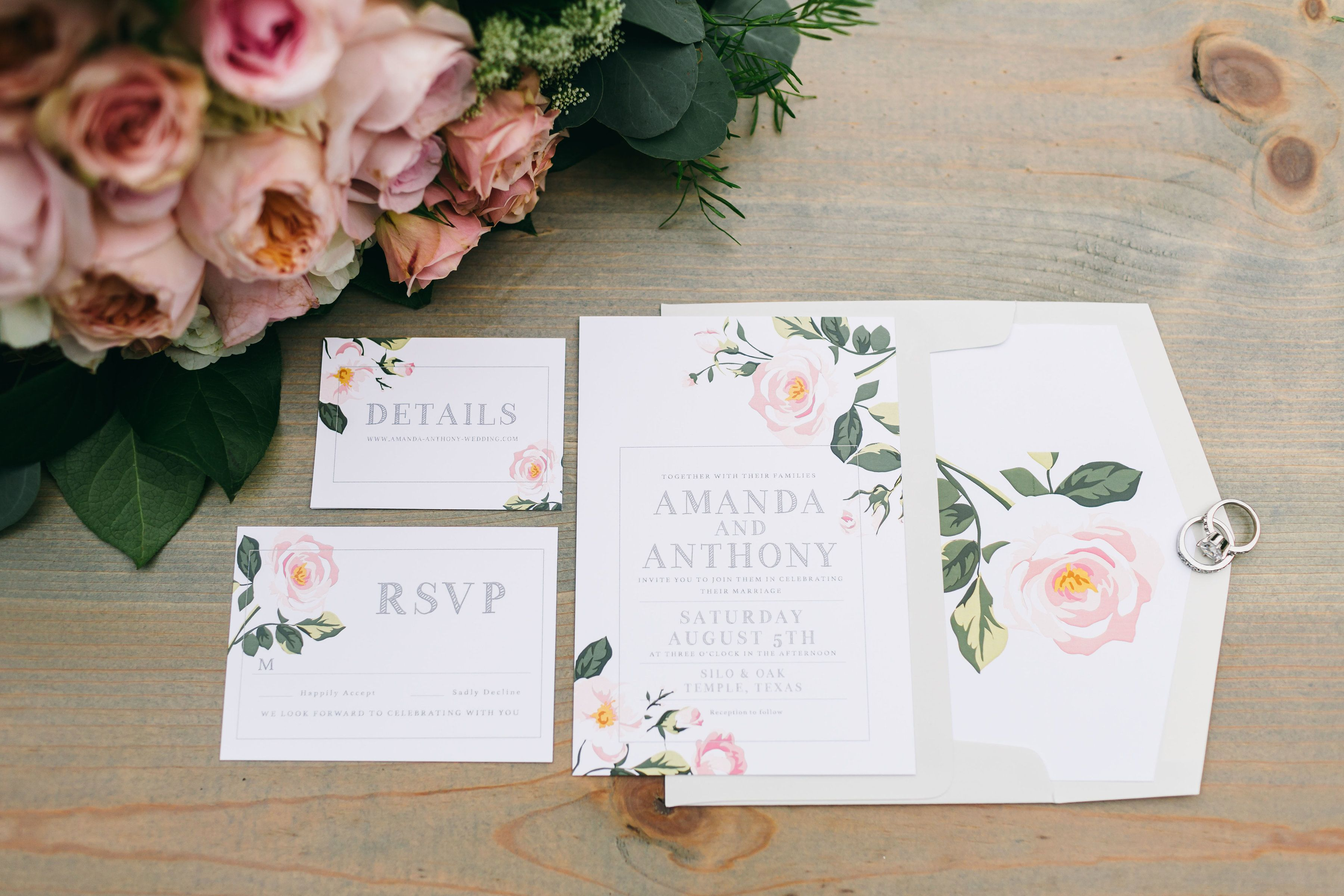 a beautiful floral wedding invitation set is just a taste of what is to come at your wedding... #siloandoak #texasweddings