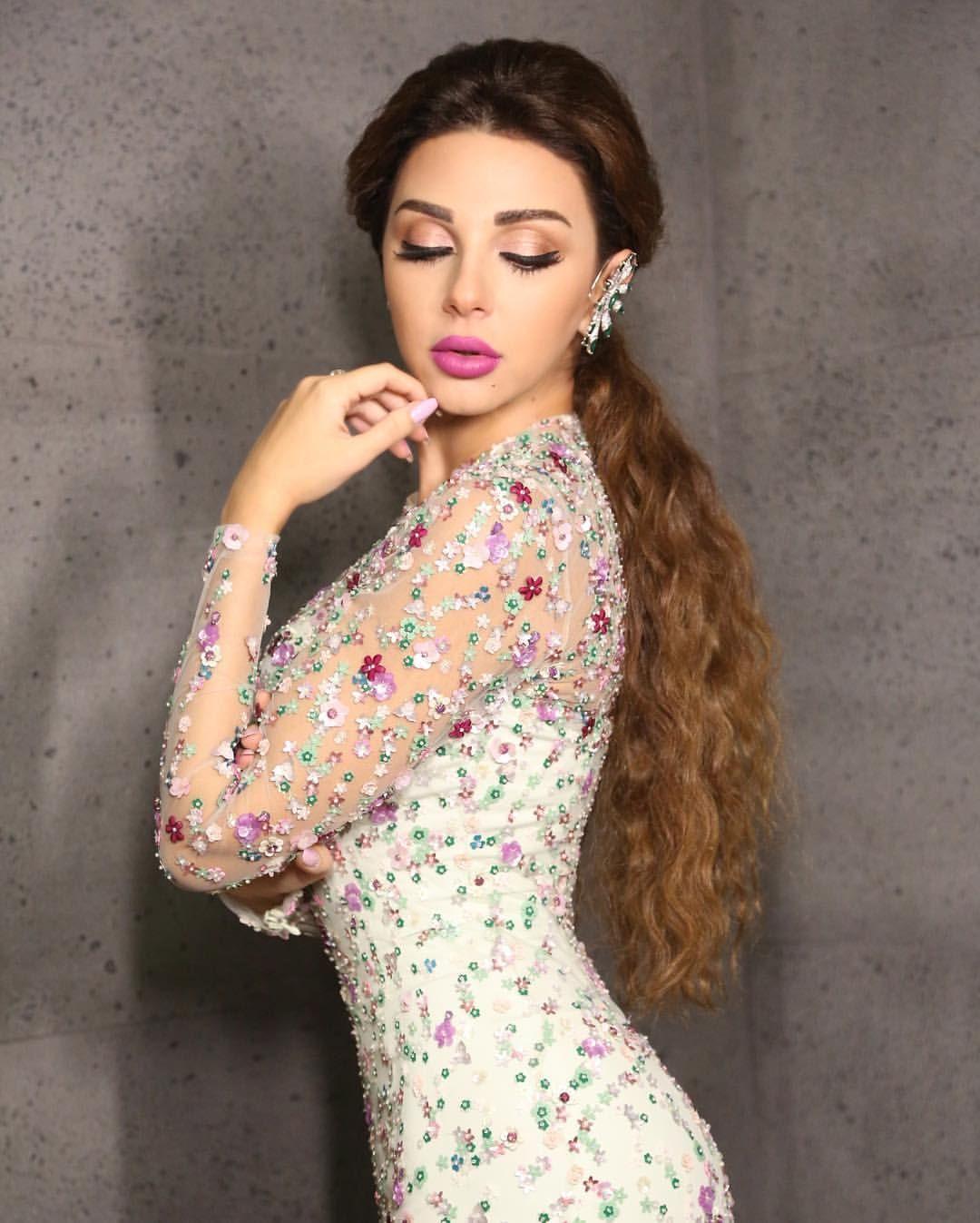 Pin By البتول ابراهيم On Dress Fashion Myriam Fares Lebanese Women