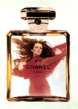 CHANEL No 5 1970s | Jean Shrimpton | By Jérome Ducrot | #vintage #beauty #advertising