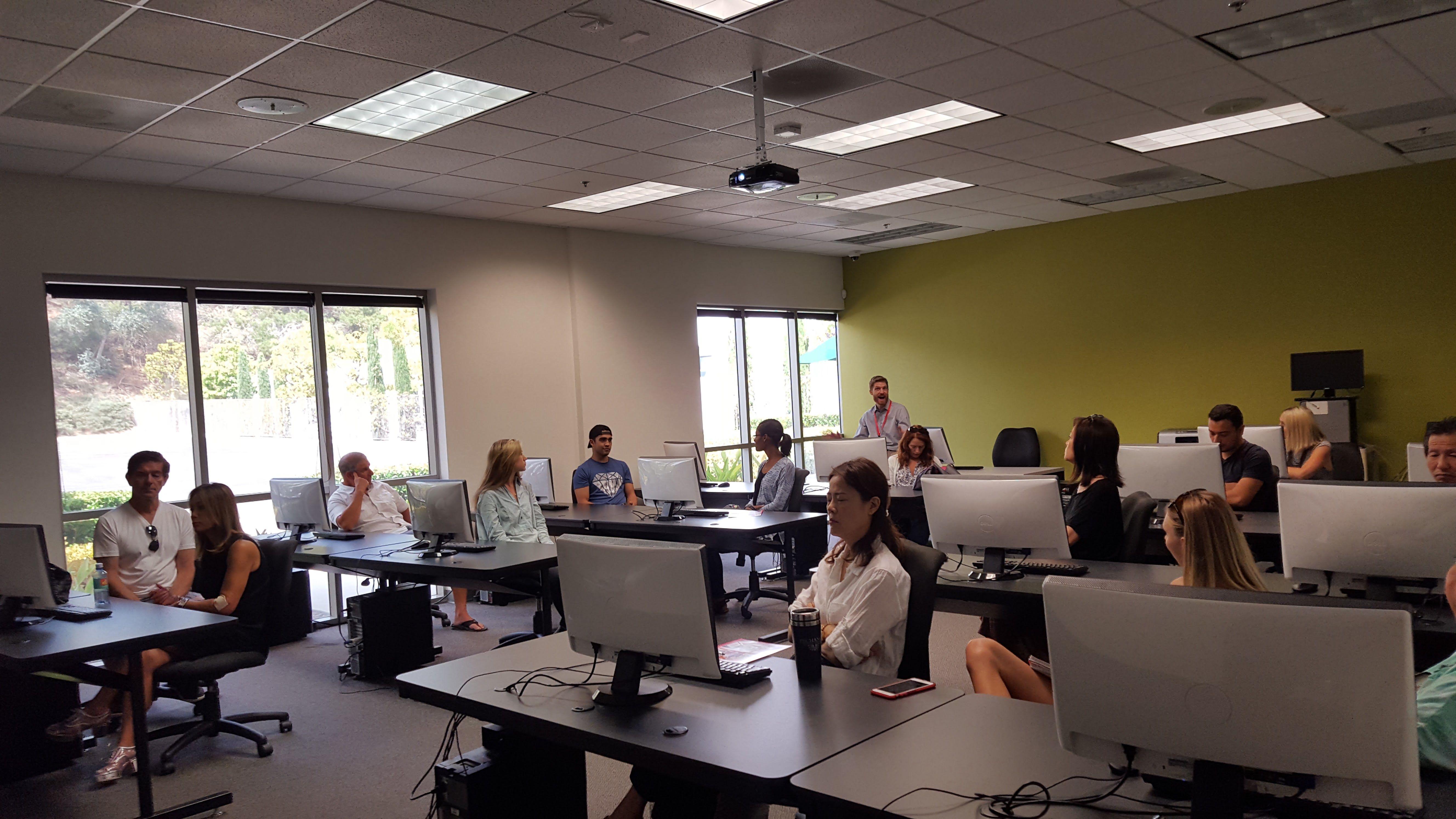 Students In The Computer Lab At Interior Designers Institute Education Design Interior Interior Design Institute Interior Design School