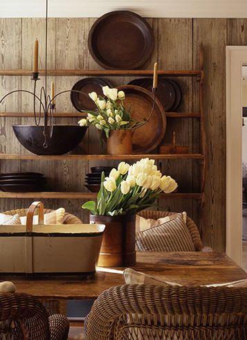 Wooden platters there 39 s no place like home for Decoracion de casas acogedoras