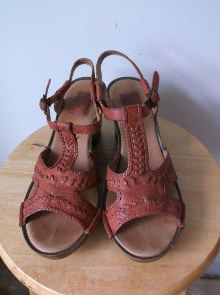 3da39d3e522b1 (eBay Advertisement) 9.5 M Clarks Bendables Reddish Leather Sandals Wedge  Sling Back Heels