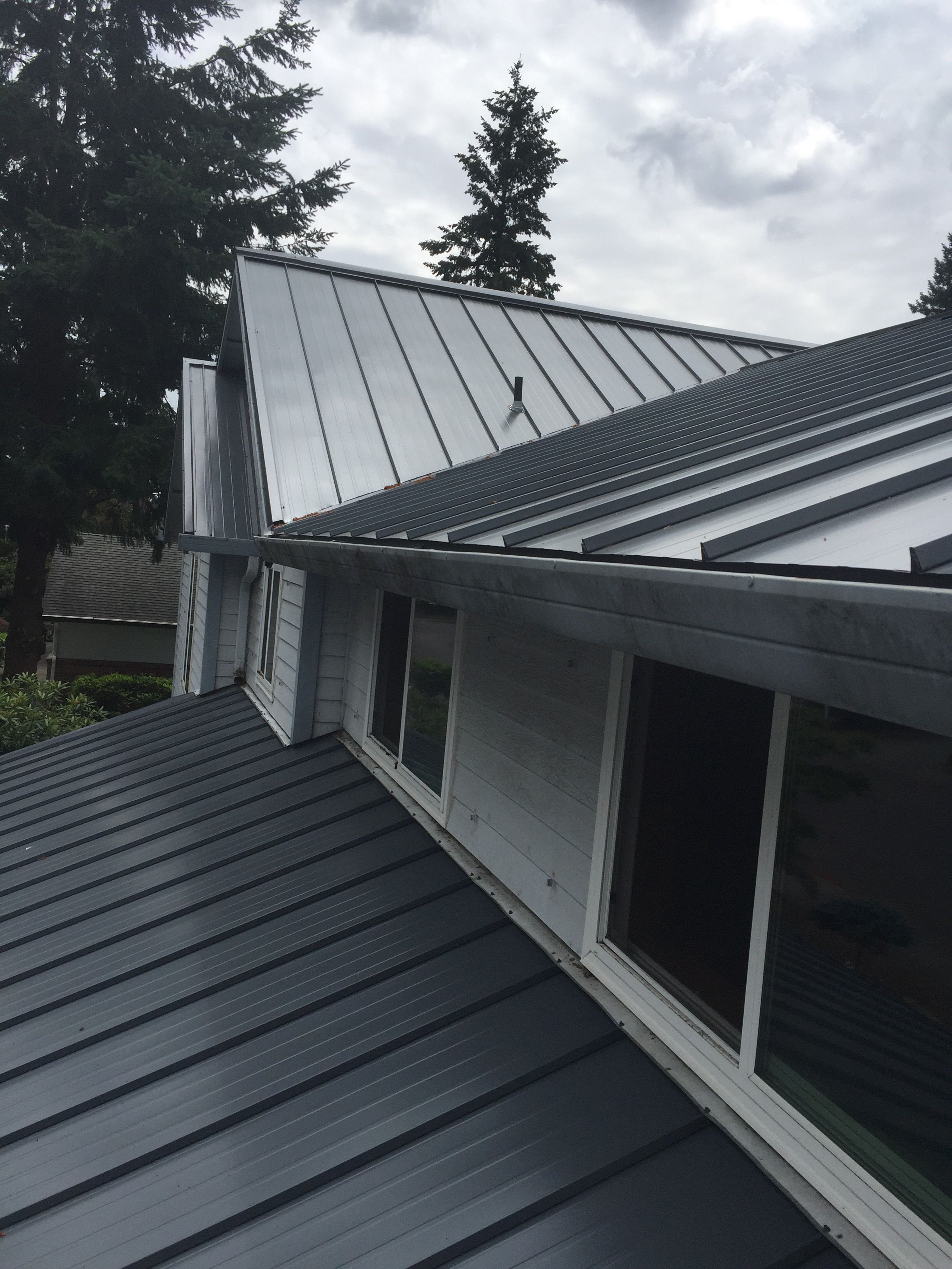 Best 16″ Standing Seam Panel Color Slate Gray Metal Roof 400 x 300