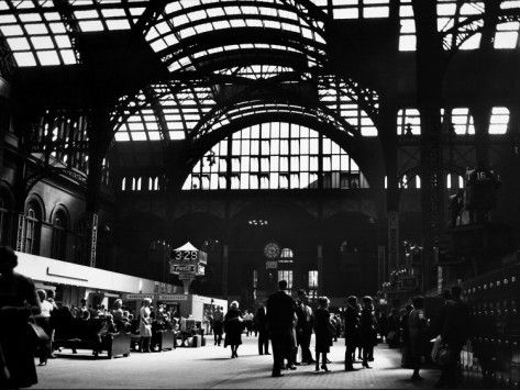 Interior View Of Penn Station Photographic Print Walker Evans Allposters Com In 2020 Walker Evans New York Subway Evan