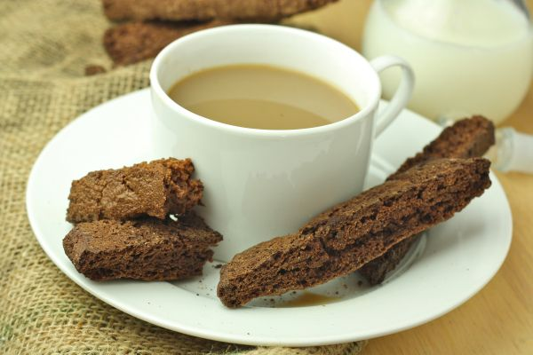 My Favorite Healthy Chocolate Biscotti (Paleo/Low Carb/Vegan/Gluten Free) - Foodie Fiasco - only 8 ingredients and no blender needed!!!