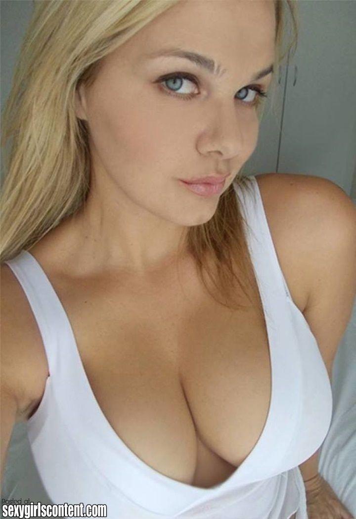 Blonde Teen Webcam Outdoor