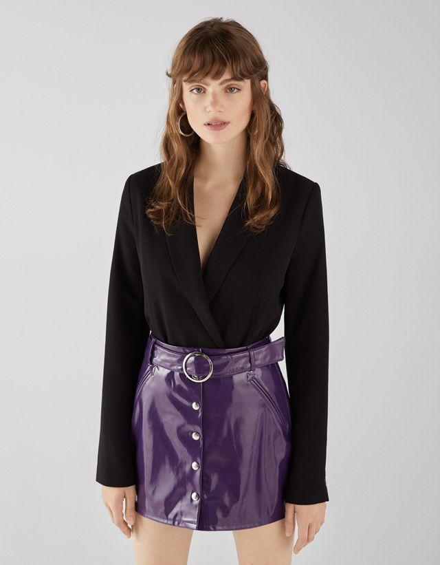 Faux vinyl skirt with belt - Bershka  fashion  newin  new  trend  trendy   vinyl  vinilo  moda  tendencia  aw18  novedades  fall  otoño  autumn   winter ... 5bc44d17d66