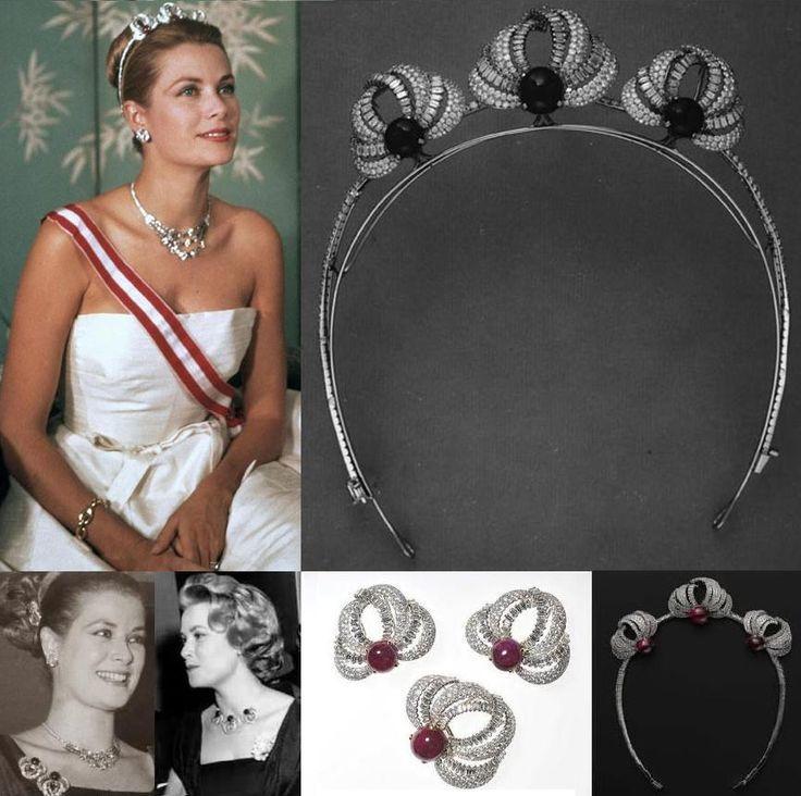 the bains de mer tiara a wedding gift to princess grace of monaco from the soci t des bains de. Black Bedroom Furniture Sets. Home Design Ideas