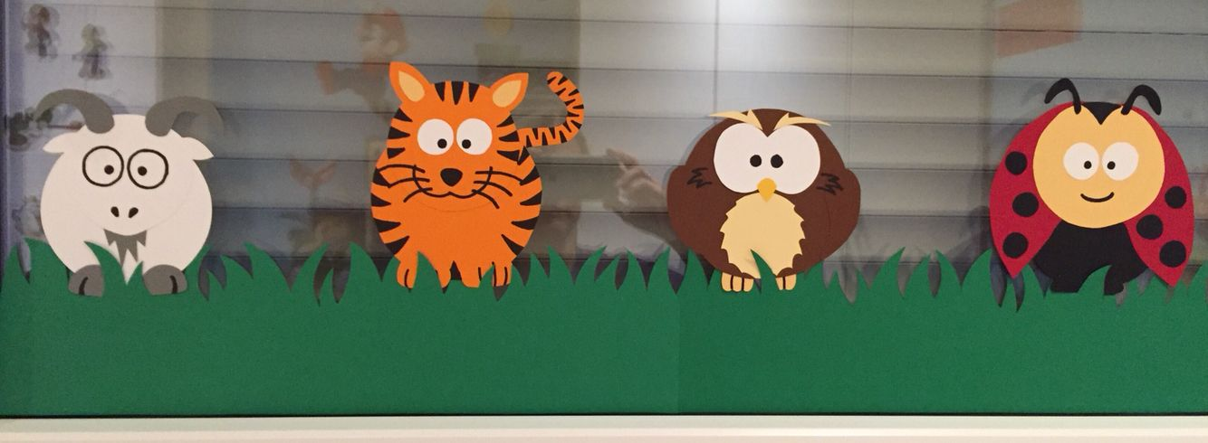 Fensterbild kinderzimmer tiere aus der osterdeko wurde for Fensterbilder kinderzimmer