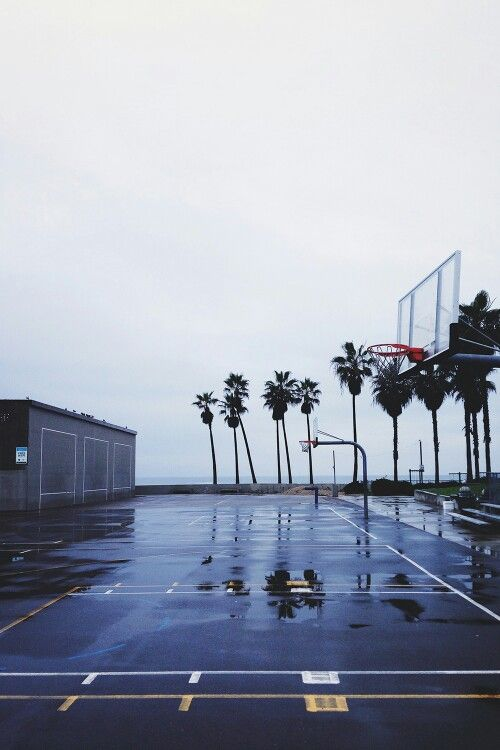 Anytime You Can Find An Empty Court Is Beauty At Its Finest Basketball Wallpaper Basketball Photography Basketball Pictures