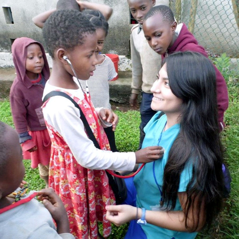 ISL Medical Volunteer Abroad Project nursing student