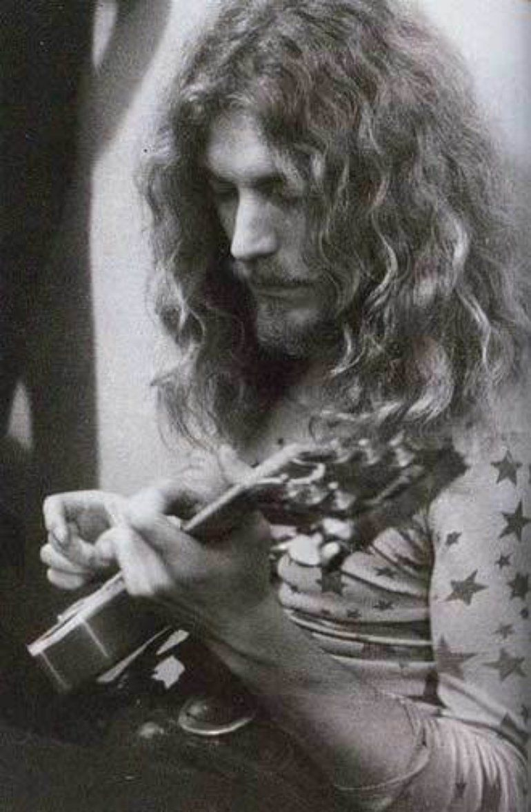 robert plant photographed recently - 735×1125