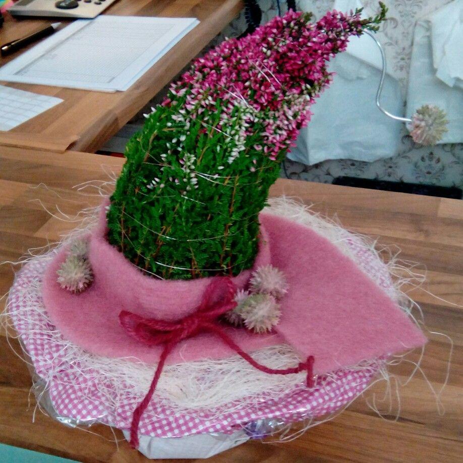 Heidekraut Zipfelmütze mit Draht geformt | Frauenkreis | Pinterest