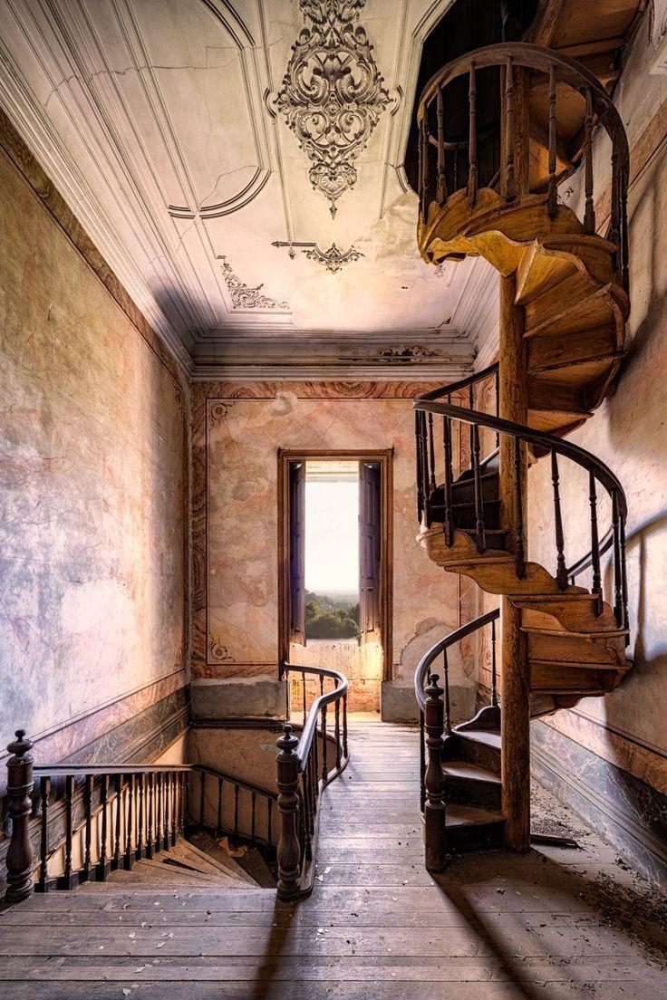 Photo of James Kerwins neueste verlassene Architektur wurde an einzigartigen Orten in Eur…