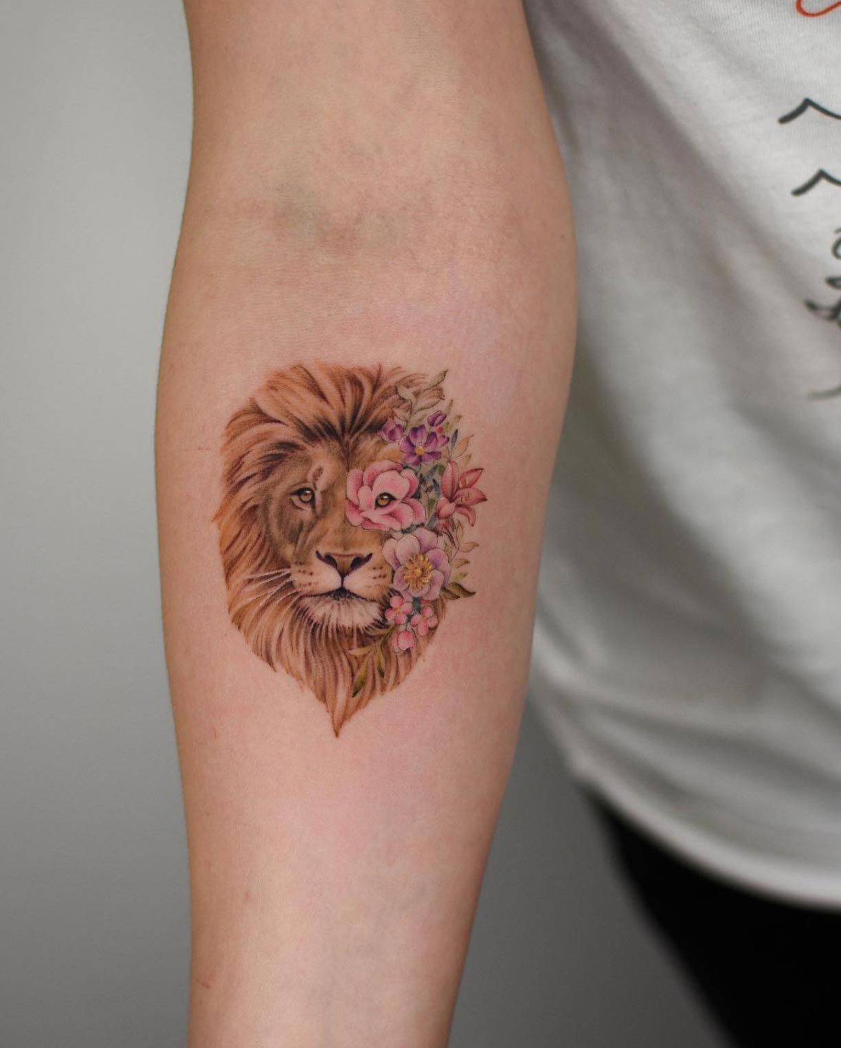 By Bryan Gutierrez Gorgeous Tattoos Tattoos Small Lion Tattoo For Women