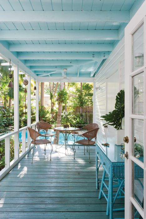 32 Best Beach House Interior Design Ideas And Decorations For 2020: Beach House Decor, Beach Cottage Style, Vintage Patio
