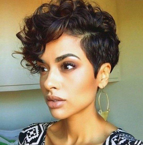 Peinados pelo corto rizado mujer 2018
