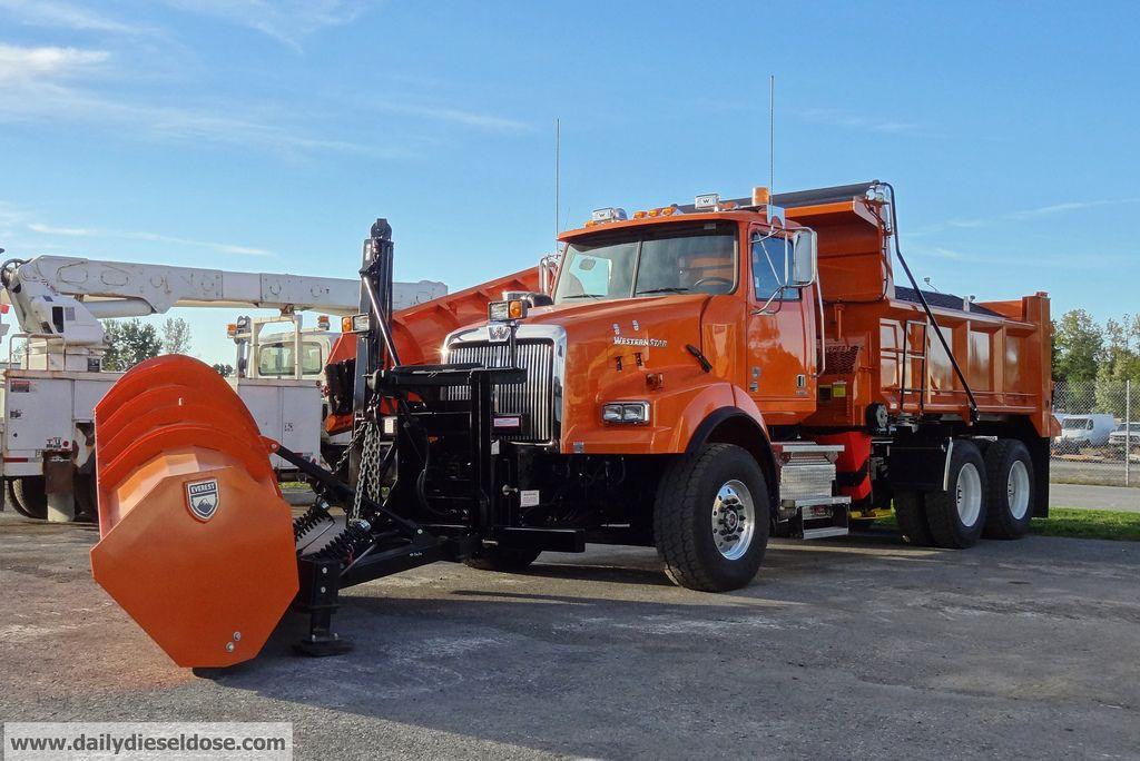 Résultats de recherche d\'images pour « freightliner flc snow plow ...