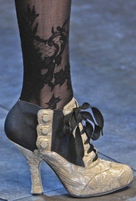 Shoe Carnival Ivory Heels