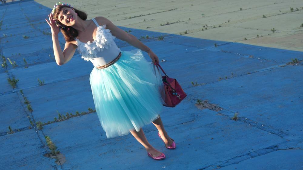 Tulle skirt, Tulle skirt, Engagement Photo Skirt, bridal shower, wedding skirt, Bridesmaids tulle skirt, Holiday tulle skirt, bridal shower outfit, bridal shower skirt, bachelorette outfit, wedding skirt, engagement photo outfit, family photo outfit