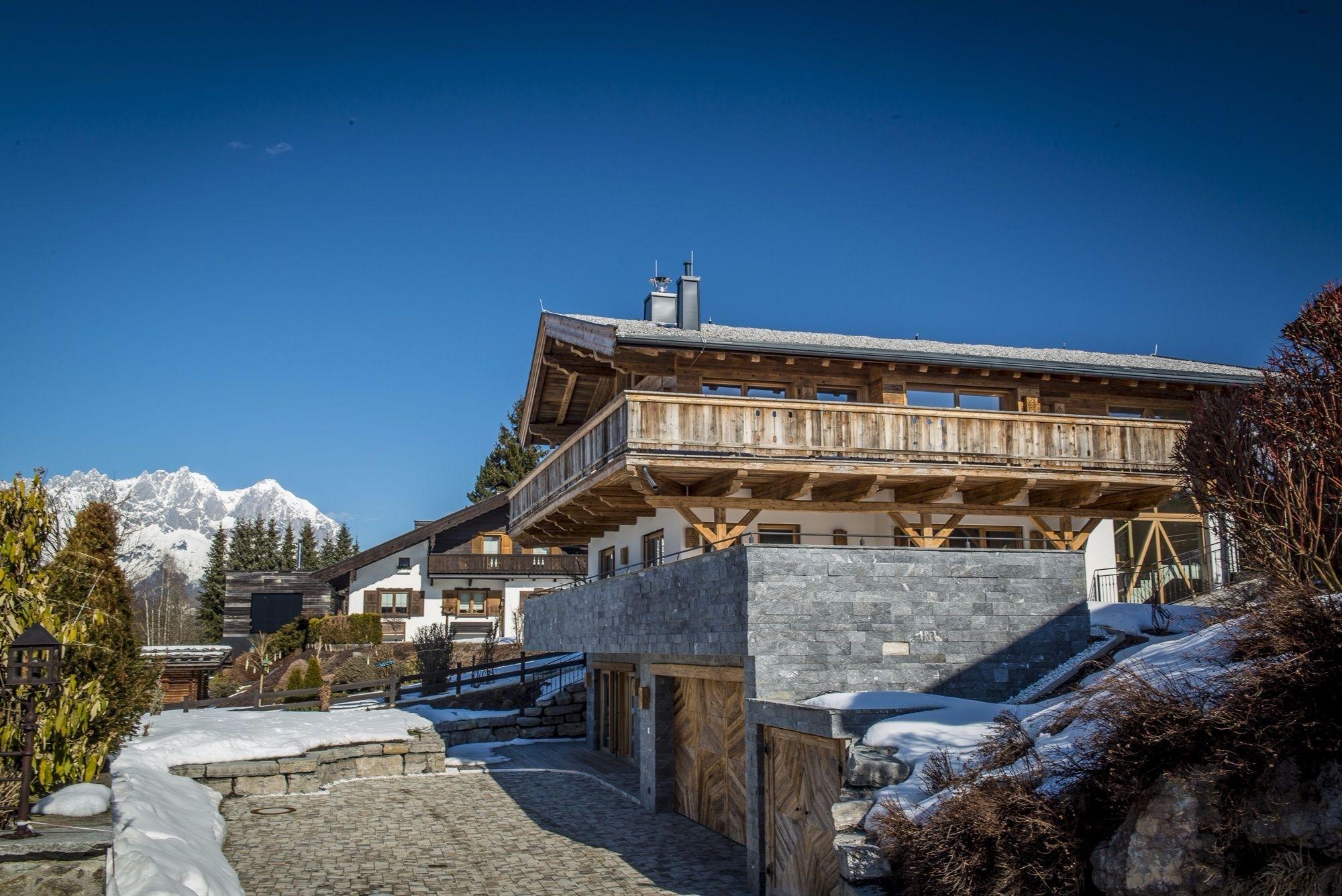 Chalet und Landhaus im Tiroler Stil in Kitzbühel kaufen – einfach ...