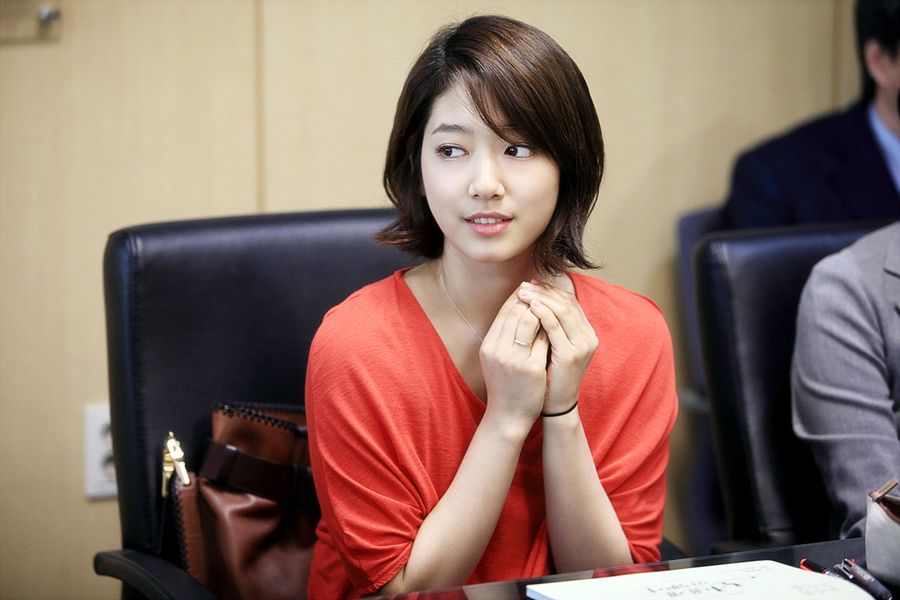 Korean Actresses With Short Hair Google Search Short Hair Styles Park Shin Hye Celebrity Haircuts