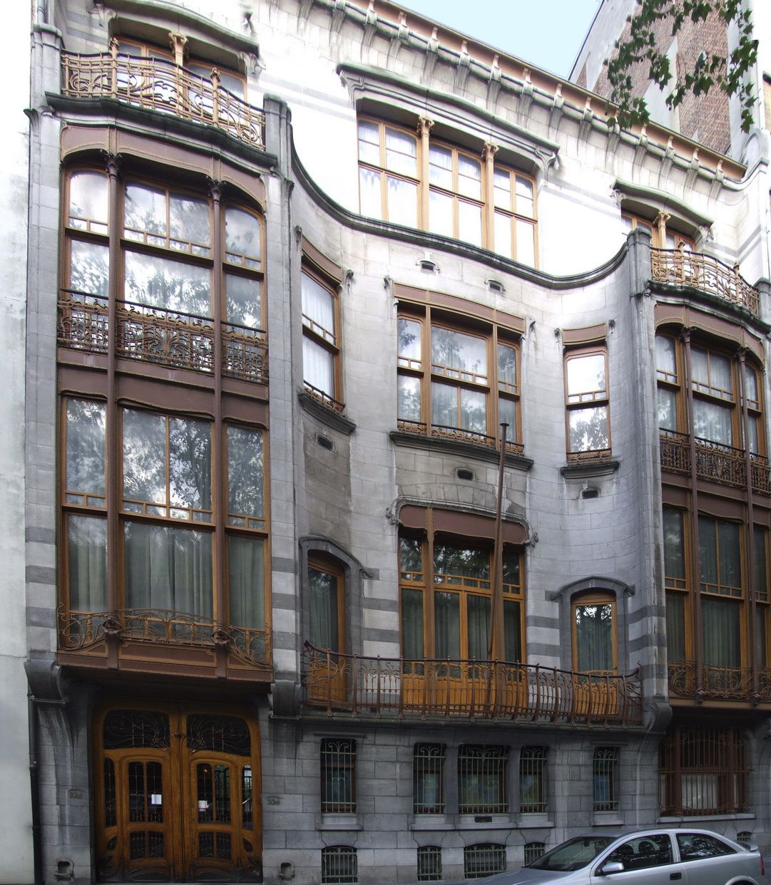 Major Town Houses of the Architect Victor