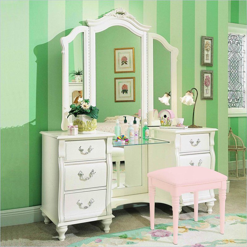 I love the pastel colors here! So girly and cute. | Perfect home ...