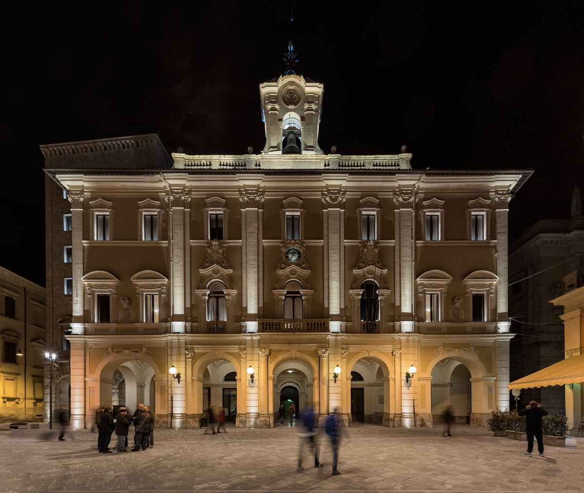 Rieti municipal building rieti italy lighting products - Exterior architectural led lighting ...