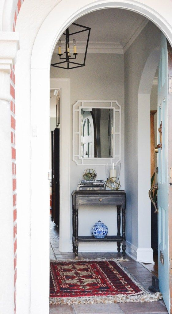 Entry Table With Mirror