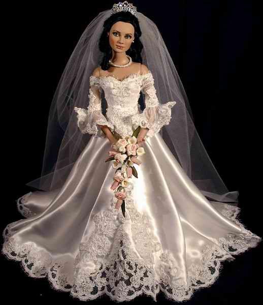 Gown by Cindy Friesen #bridedolls