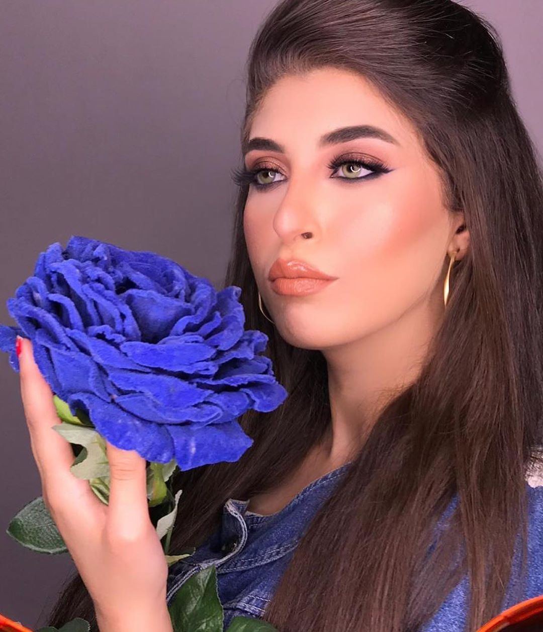 a beautiful blue rose 💙 💙 __jiihad__ makeup instamakeup