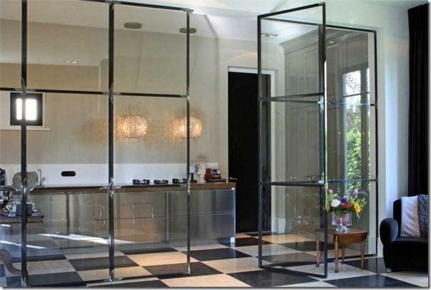 Case e interni cucina parete vetro 13 vetrata - Parete vetro cucina ...