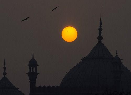 abhinavsinghai:  Jama Masjid and Sunspot AR 11967 on Flickr.