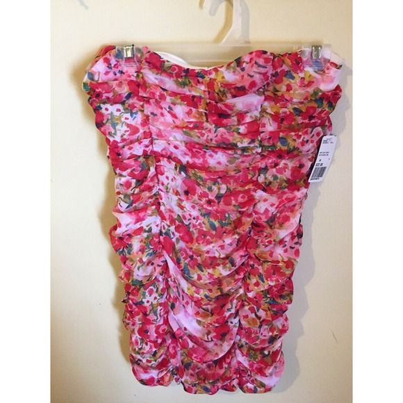 feecedc9f42 Medium Floral Tube-top Dress Size Medium. New with tags Forever 21 tube-
