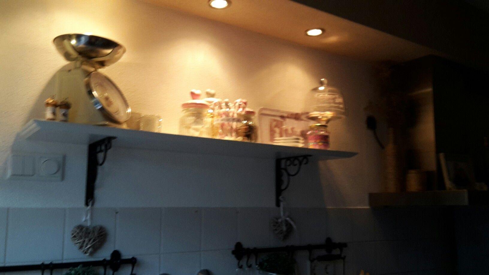 Van standaard huurwoning keuken naar low budget droomkeuken zowel