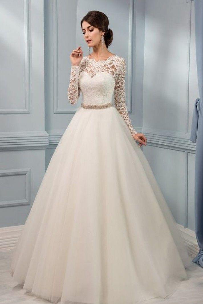 Vestiti Da Sposa Da Principessa.Vestiti Da Sposa Da Principessa Strascico A Cappella Tessuti