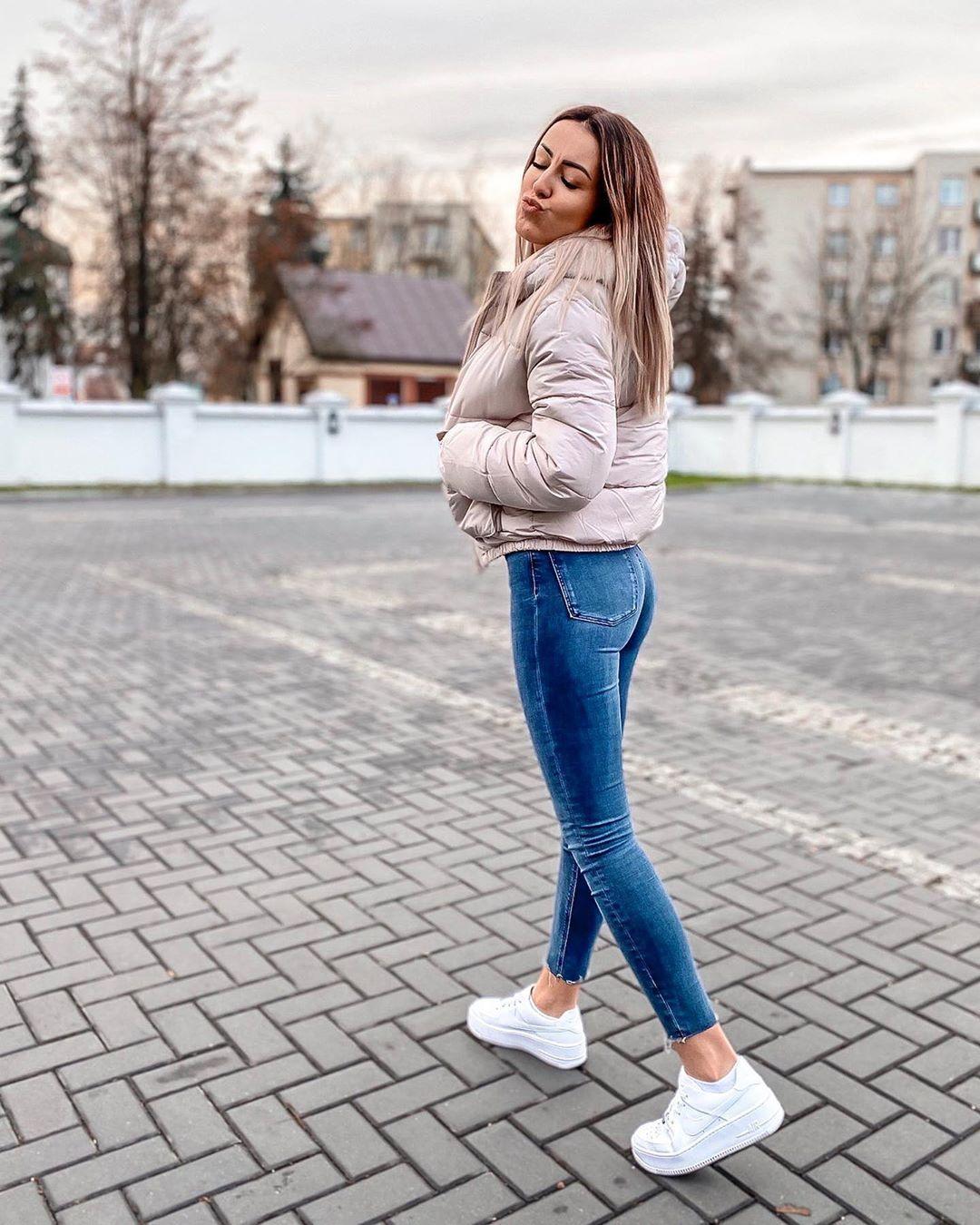 1 837 Aprecieri 38 Comentarii Aga Aerielka Pe Instagram Przygotowania Do Wigilijnej Kolacji Trwaja Ale Nie U Wszystkich Fashion Skinny Skinny Jeans